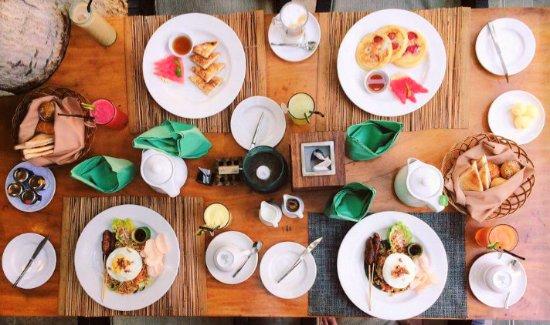 Le Jardin Villas: breakfast in the villa