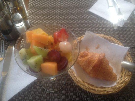 Kiki-e Mo: Começo do café da manhã , huuumm delicioso