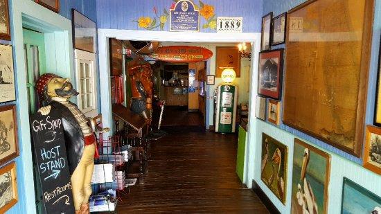 Lantana, FL: Entranceway