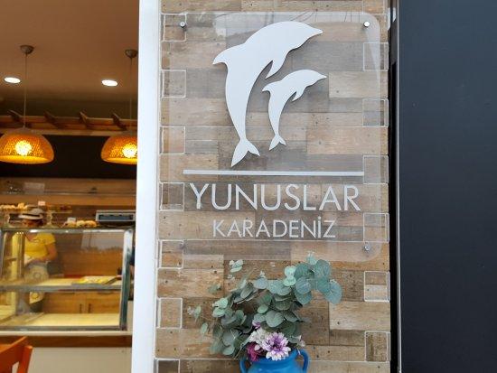 Yunuslar Karadeniz Unlu Mamulleri: From Outside