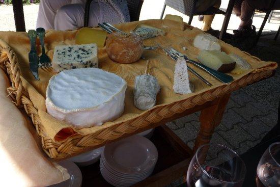 Divonne-les-Bains, Γαλλία: Das phänomenale Käsebuffet!