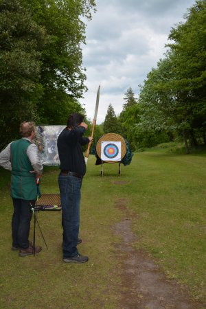 Newmarket-on-Fergus, Irland: Archery class