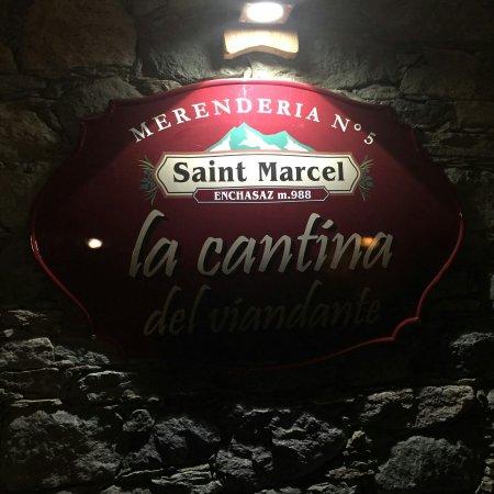 Saint-Marcel, Itália: la cantina del viandante