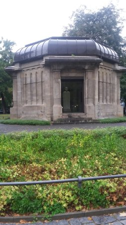Ernst-Abbe-Denkmal
