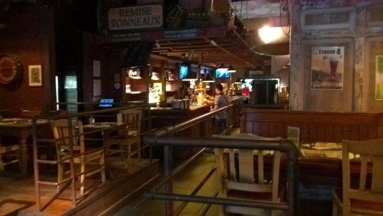 Les trois brasseurs : intérieur de la brasserie