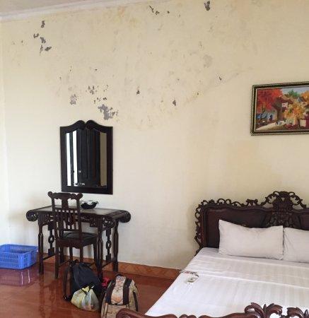 The Tourist Hotel: photo1.jpg