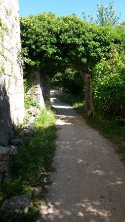 Kanfanar, Croatia: Stadttor von Dvigrad