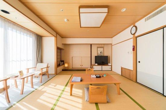 Kanpo no Sato Shobara: 落ち着いた雰囲気な和室です。