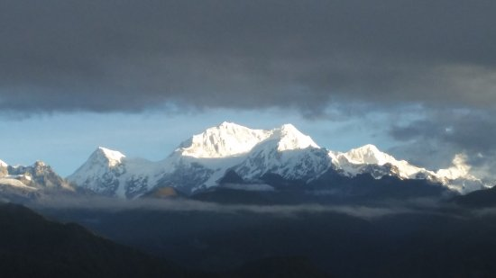 Hotel Simvo : View of Mt. Kanchenjunga from the hotel