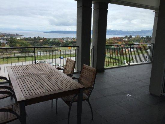 ฮิลตัน เล้คทอโปโฮเต็ล: Hilton Lake Taupo