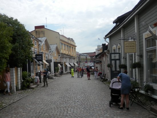 Porvoo, cobbled streets and shops