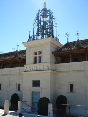 Chateau angelus saint emilion all you need to know for Chateau angelus