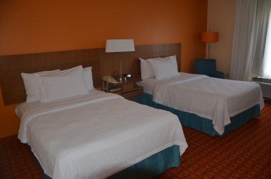 Fairfield Inn & Suites Fort Myers Photo