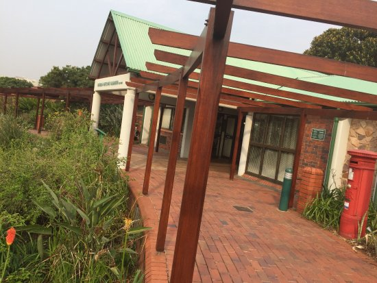 Durban Botanical Gardens: another view of front of conference centre
