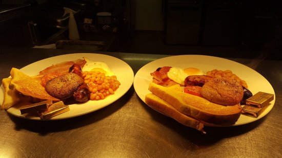 Burntwood, UK: Brunch served every weekend 10am till noon.