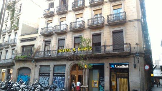Hostal Ramos: Vista Hotel