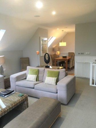 Auchrannie Luxury Lodges : Upstairs lounge.