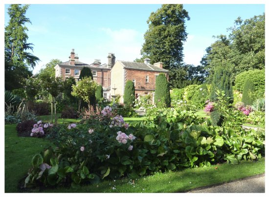 Frodsham, UK: house and gardens