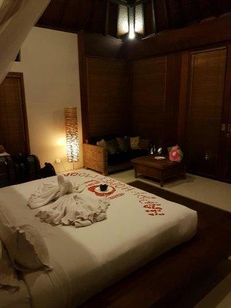 Swarapadi Villa: 20160904_223137_large.jpg