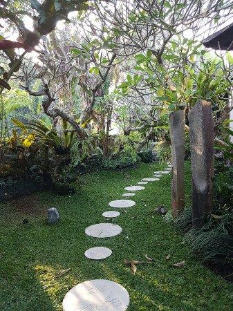 Swarapadi Villa: 20160905_072834_large.jpg