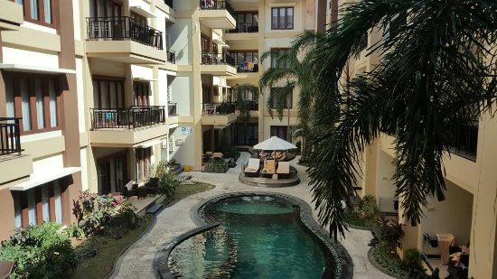 Kuta Town House Apartments: 20160809_143020_large.jpg