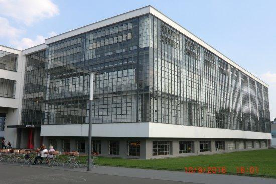 Aussenansicht bauhaus dessau bild von stiftung bauhaus for Bauhaus berlin edificio