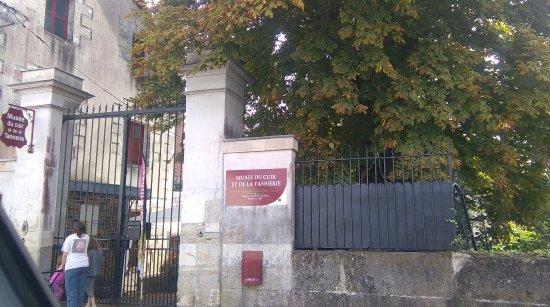 Chateau-Renault, França: l'entrée