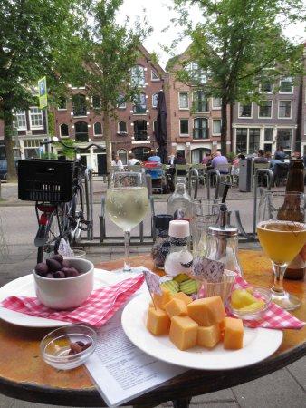 Cafe Thijssen: oude kaas