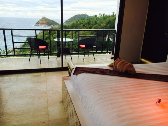 Aminjirah Resort: Our room & view