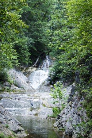 The Natural Bridge of Virginia: Lace Falls.