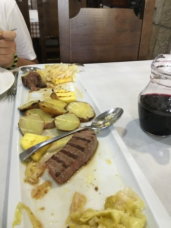 Taberna do Porfirio: Do not order the veal for 2 it's as tough as nails. Local wine is great