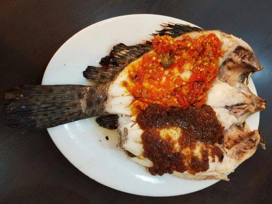 Foto De Rumah Makan Seafood Apong Makassar Ikan Sunu Parape