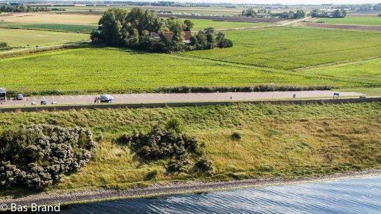 Scharendijke, Pays-Bas : Camping op de achtergrond gefotografeerd vanuit Drone boven Grevelingen