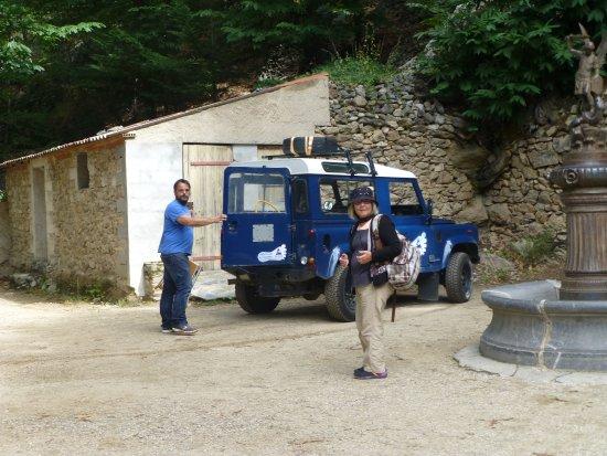 Casteil, Francja: une de notre groupe qui a pris le 4x4....
