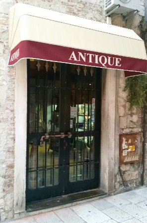 Antique-impex shop