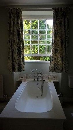 Grampound, UK: Badewanne mit Blick