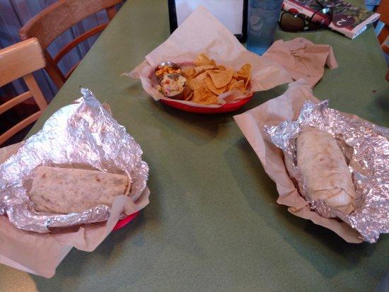 Parrilla Grill: Our Burritos