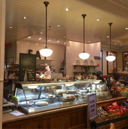 Stonewall Kitchen : Stonewall Kitchen Headquarters - Picture of Stonewall Kitchen, York ...