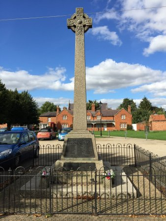 Sleaford, UK: War Memorial Heckington