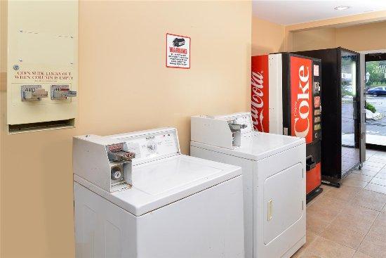 Cheshire, CT: Laundry Facility