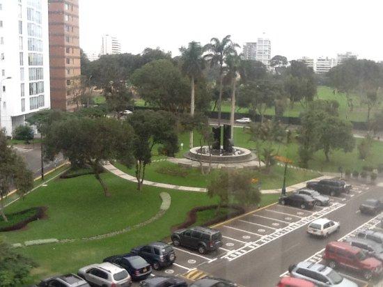 Hotel Libertador Lima: Esta imagen fue tomada de la habitación del hotel.