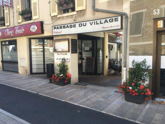 Verrieres-le-Buisson, France: Chez Tonio