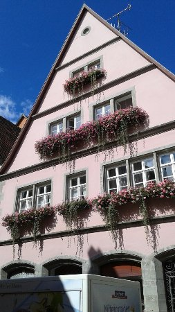 Rothenberg, Tyskland: This is positively one of the most beautiful medieval cities in Germany.  A must see!