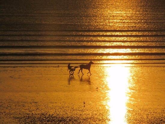 Brehal, ฝรั่งเศส: Sonnenuntergang