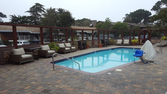 Lighthouse lodge cottages updated 2017 resort reviews for Pool show monterey