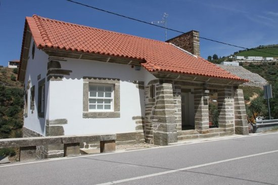Casa dos Cantoneiros - Foz-Tua Wine House