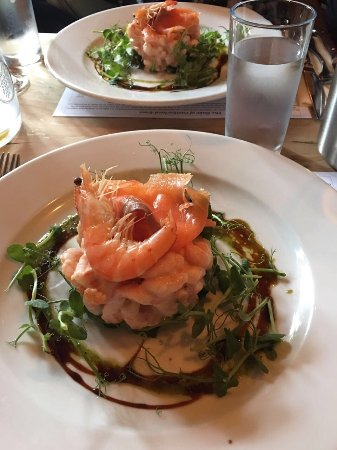 Duke of Cumberland: Fantastic Roast Lunch with friends - starter and Pork Roast!!! Amazing