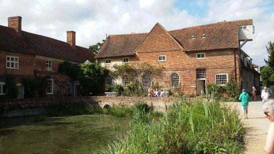 East Bergholt, UK: Flatford Mill