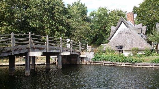 East Bergholt, UK: bridge over the river