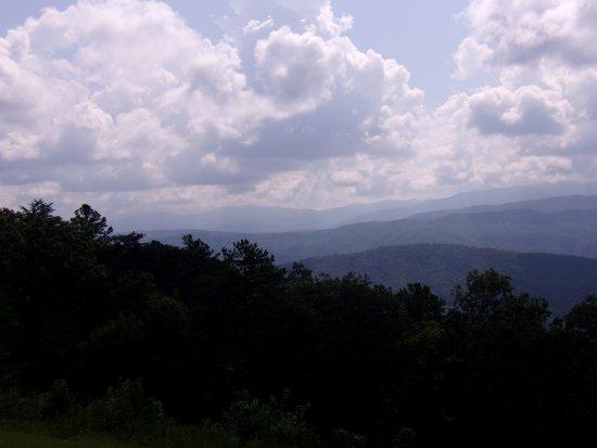 Townsend, TN: Scenic Pullover